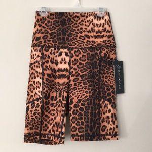 Yogaliciois Lux leopard bike shorts
